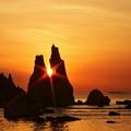 Photos: 橋杭岩の目覚め。。。