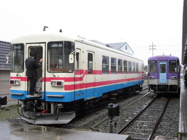北条鉄道 フラワ2000-3とフラワ2000-2