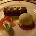 写真: 特選デザートとフルーツの盛り合わせ