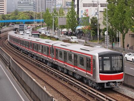 大阪市営地下鉄30000系 北大阪急行線千里中央~桃山台2