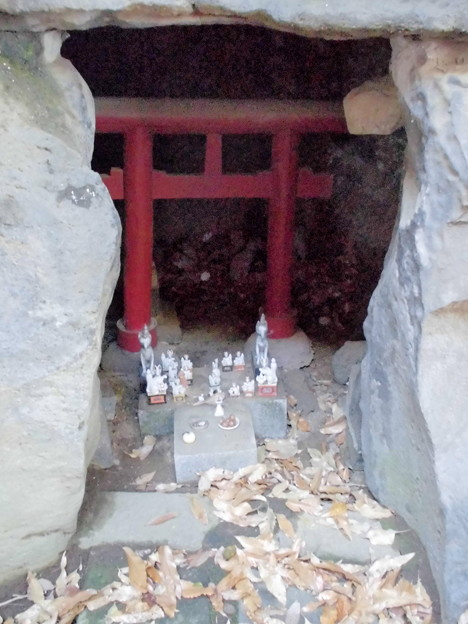 都電荒川線_早稲田駅界隈:水稲荷神社-16富塚古墳c