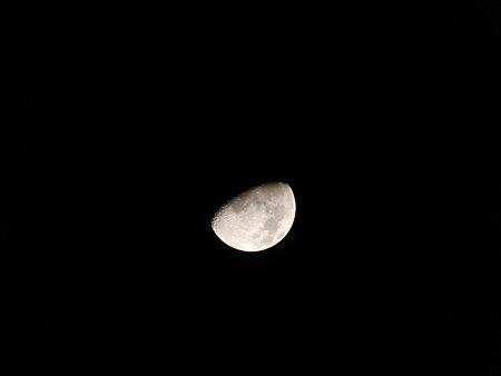 2009年1月6日、19時58分に撮影した月