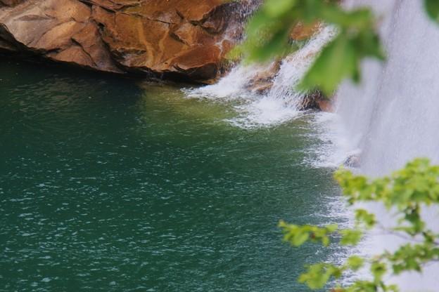 河内谷 砂防ダムから(1) 滝