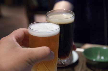 地ビールで乾杯