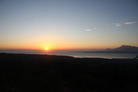 日の出と普賢岳