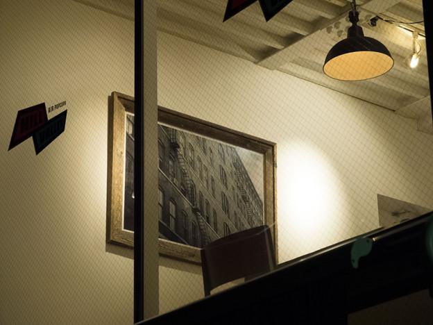 Photos: 額縁のある部屋
