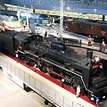 写真: 鉄道博物館 回転台に乗るC57-135(1)