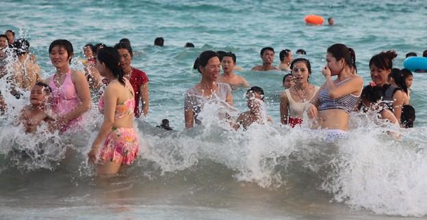 中国のハワイ 海南島で海水浴~~ (5)