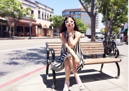 妖艶『柳岩』妖艶衣服で靴をあつらえ・・・(笑) (7)