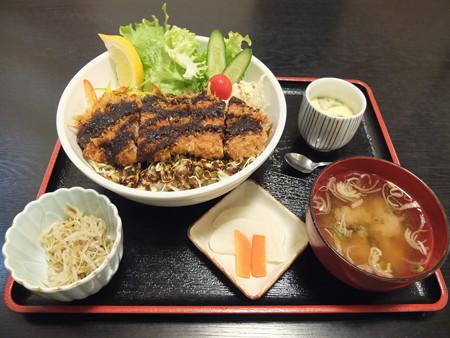 和食処 汐路 ソースかつ丼 ¥980