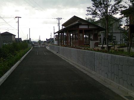 小中川駅を新幹線側から見る