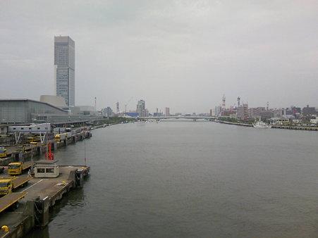 柳都大橋と朱鷺メッセ