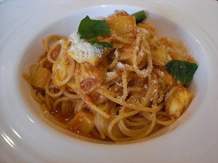 3種類のチーズが入った完熟トマトソーススパゲティー