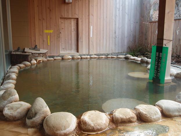 写真: 新鹿沢温泉 鹿鳴館