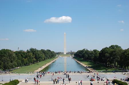 国会議事堂からワシントン記念塔を臨む