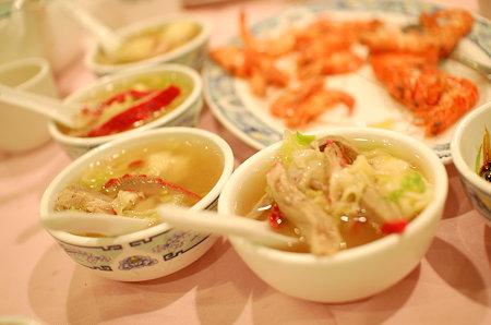 小桃園ワンタンスープ