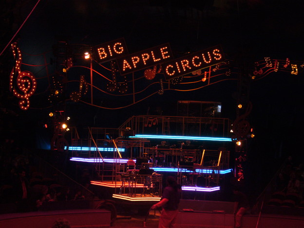 写真: BIG APPLE CIRCUS