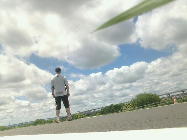 流れる雲、漏れる陽光、そして俺氏。