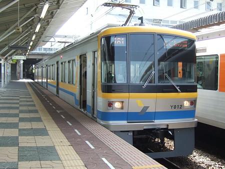 横浜高速Y000系