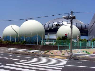 090509九条淀川大橋 024タンクとドーム