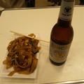 写真: 一回りしたので太麺ヤキソバ...
