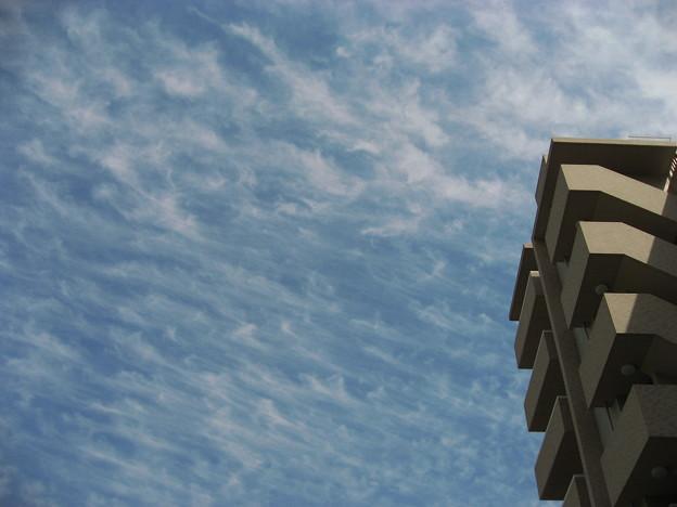 Photos: 空に~~波が~~