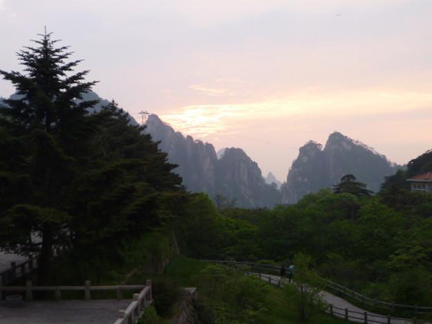 遠き山に日は落ちて・・・北海賓館から  Sunset glow