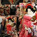 Photos: 目線が気になりますね、浅草の羽子板市!