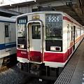 写真: 東武6050系・区間快速