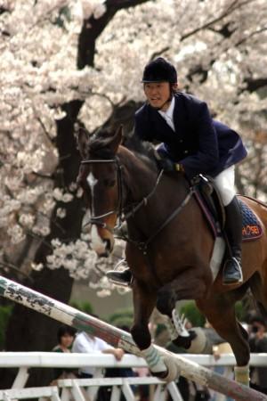 馬駆ける春