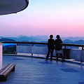 Photos: ☆展望台から瀬戸の夕景を撮影する二人連れ in 千光寺山公園