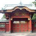 Photos: 門の向こうは徳川家のゆかりの墓