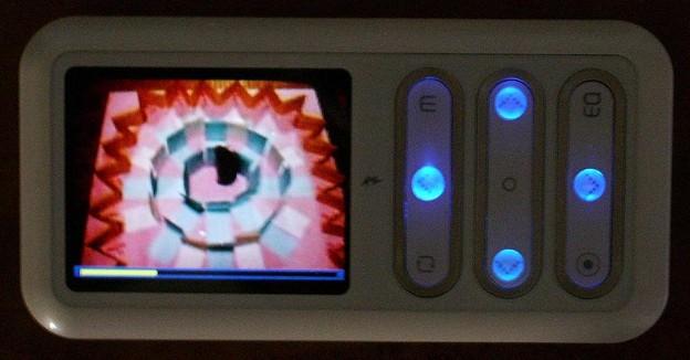 Turbolinx wizpyに動画を入れて再生中(computer/0305)