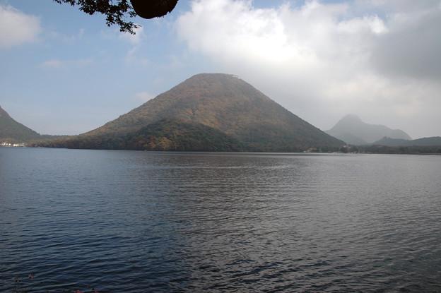 Photos: 群馬:榛名山・・・・榛名湖と榛名富士