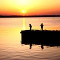 Photos: 5月4日 朝日と釣り人