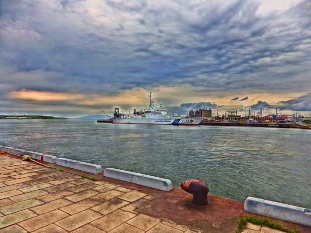 秋田港と巡視船でわ