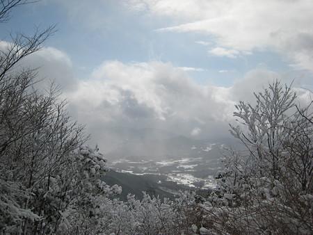 山頂で一瞬だけ望めた眺望