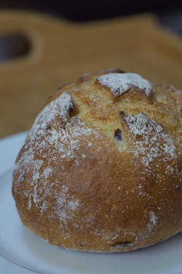 写真: サツマイモのパン 01