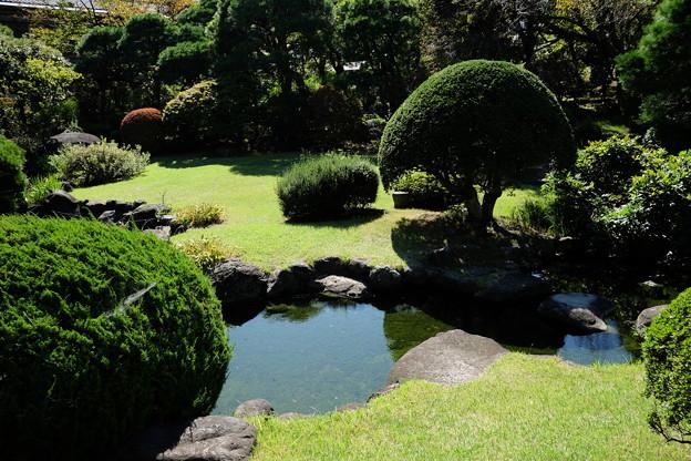 起雲閣の庭園と池
